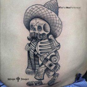 Tatuaje de calavera mexicana – Creado por Germán | Infierno Tatuajes