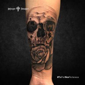 tatuaje de cráneo, tatuajes de calaveras, ideas de tatuajes en el antebrazo, estudio de tatuajes sur cdmx, infierno tatuajes