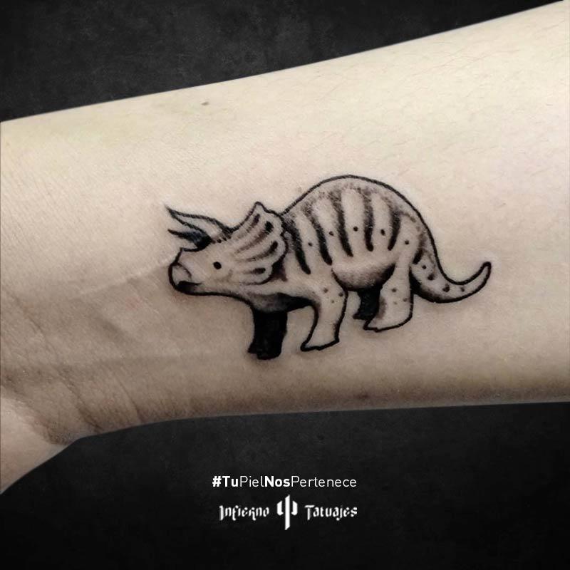 Infierno Tatuajes Tatuaje De Dinosaurio Triceratops Creado Por German Infierno Tatuajes Pues, si además te gustan los tatuajes, tal vez te interesen los tatuajes de dinosaurios. infierno tatuajes tatuaje de