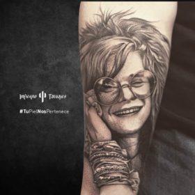 tatuaje de janis joplin, tatuajes en el antebrazo, tatuajes de artistas, estudios de tatuajes al sur de la cdmx, infierno tatuajes