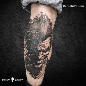 tatuaje de joker, tatuajes personajes ficticios, tatuaje en la pantorrilla, donde hacerme un tatuajes, tattoo studio cdmx