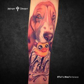tatuaje de perro, tatuaje de beagle inglés, tatuajes para honrar a tu mascota, tatuajes en el antebrazo, infierno tatuajes