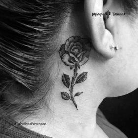 tatuaje de rosa, tatuajes en la nuca, tatuajes en tinta negra, estudio de tatuajes df, infierno tatuajes