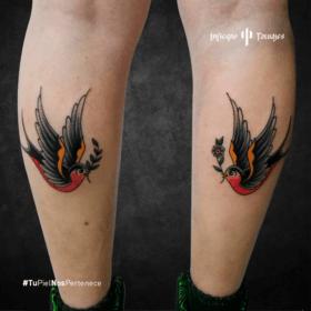 tatuaje de golondrinas, tatuajes en las pantorrillas, ideas de tatuajes en las piernas, estudios de tatuajes cdmx, infierno tatuajes