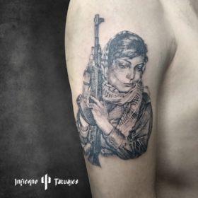 Tatuaje de mujer guerrillera – Creado por Paula   Infierno Tatuajes