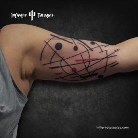 Suprematism tattoo – Creado por Javier Gaona | Infierno Tatuajes