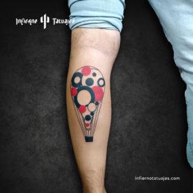 Tatuaje de globo geométrico – Creado por Javier Gaona | Infierno Tatuajes