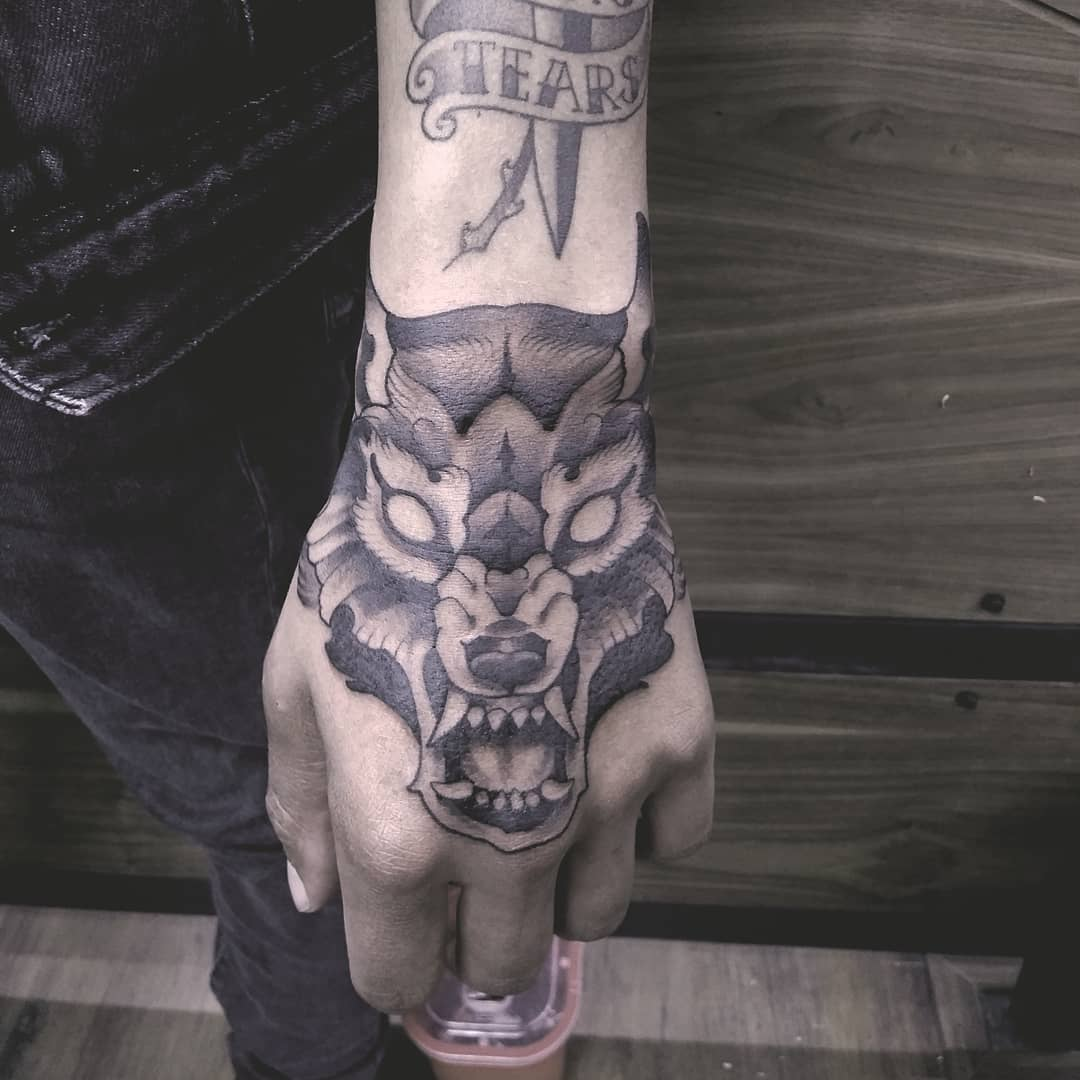 tatuajes de animales - lobo