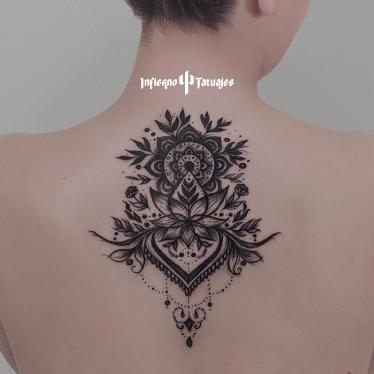 Tatuajes de símbolos místicos