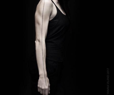 Tatuaje minimalista Yanina Viland