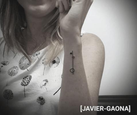 Tatuaje minimalista Javier Gaona