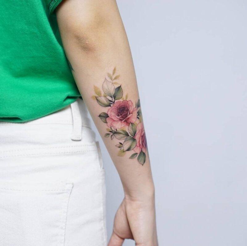 tatuaje rosal en acuarela infierno tatuajes