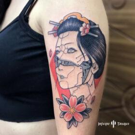 tatuaje de geisha a color en brazo, mejores tatuadores cdmx, mejor estudio de tattoos df, infierno tatuajes, idea de tatuaje para mujer