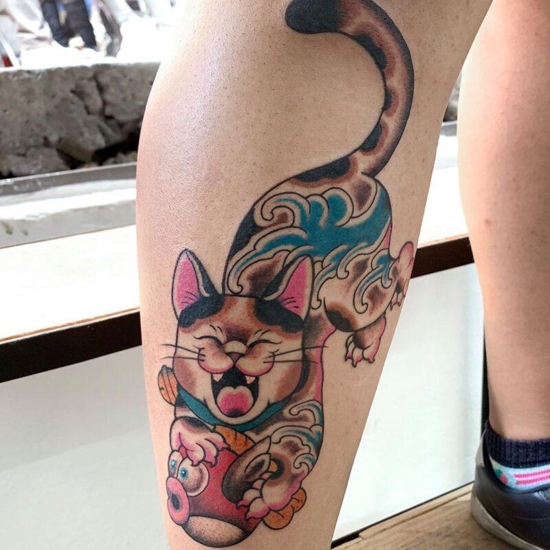 tatuaje de gato cazador